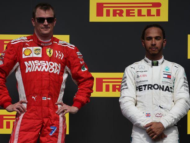 Kimi Räikkönen oli vähällä ajaa Lewis Hamiltonin perään Brasilian GP:n aika-ajoissa.