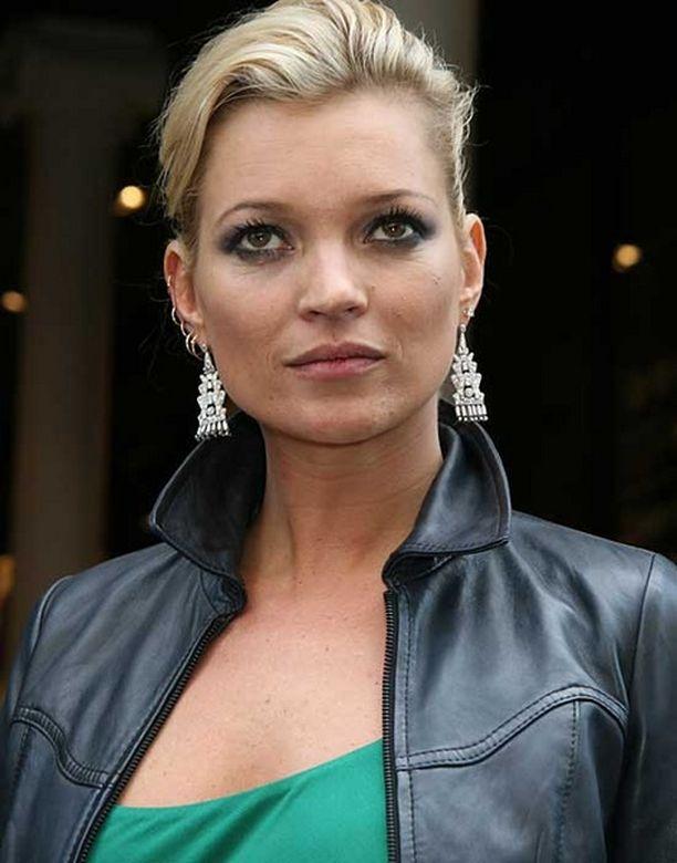 Myös Kate Moss on ollut otsikoissa huumesekoiluidensa vuoksi.