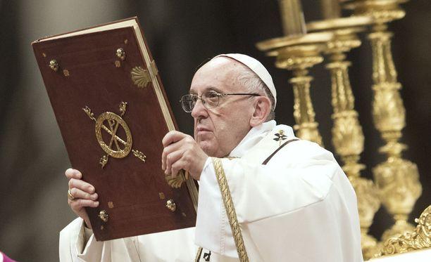 Paavi Franciscus Vatikaanissa.