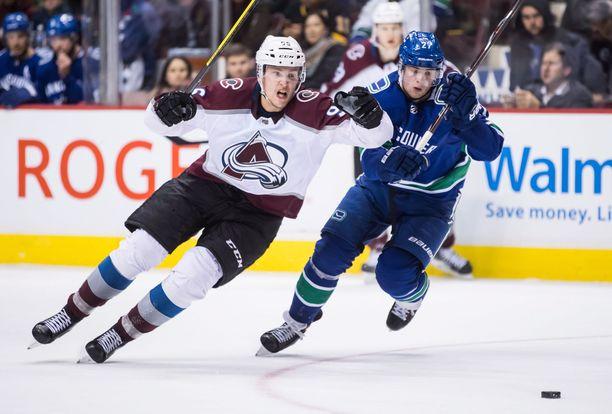 NHL:n pistepörssin johtava Colorado Avalanchen Mikko Rantanen mätti jälleen tehopisteitä ottelussa Anaheim Ducksia vastaan.