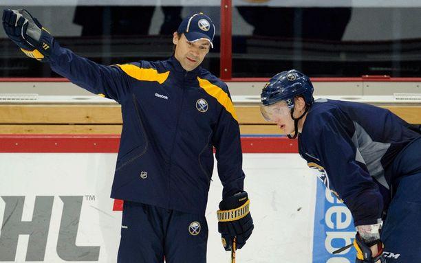 Teppo Numminen ei jatka Buffalossa.