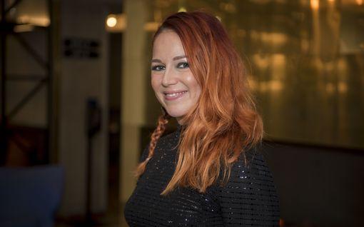 Raskaana oleva Petra Gargano säteili odotuksen onnea - laskettu aika tammikuussa