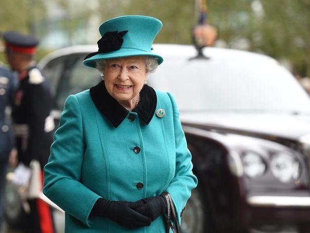 Kuningatar Elisabet kutsuu Trumpin kesällä kylään.