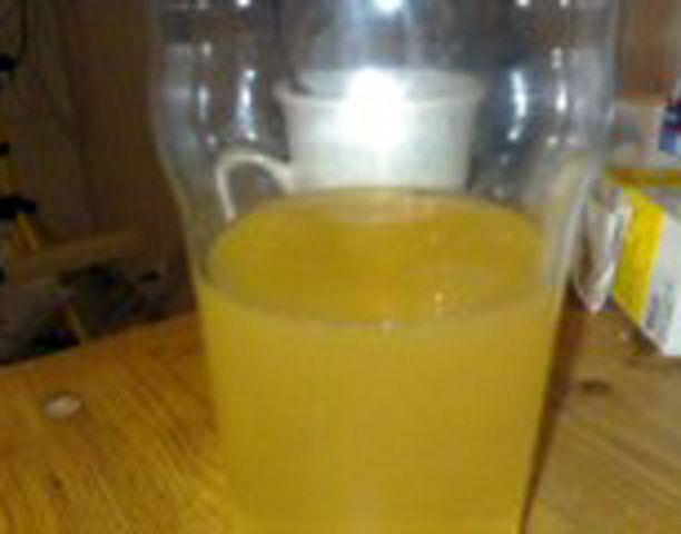 Appelsiinimehua? Ei, vaan nokialaista vesijohtovettä.