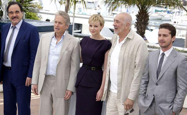 Oliver Stoneen elokuvaa tähdittävät Michael Douglas, Carey Mulligan, Frank Langella ja Shia LaBeouf.