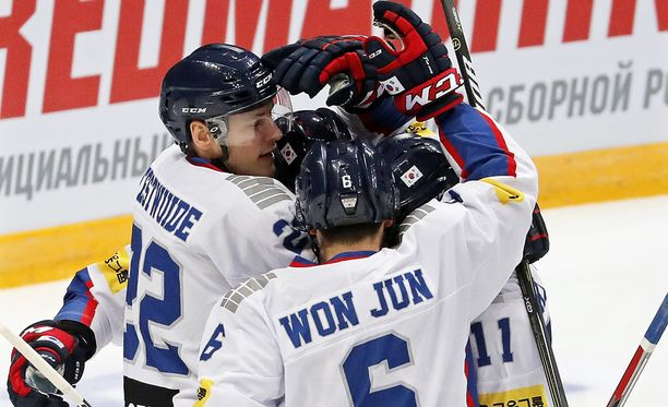 Etelä-Korea juhli ottelun avausmaalia Suomea vastaan. Leijonat pani kuitenkin asiat päiväjärjestykseen avauserän lopulla.