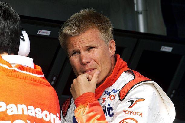 Mika Salo edusti F1-urallaan muun muassa Toyotaa.