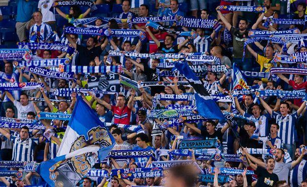 Brigadas Blanquiazules on La Ligan Espanyolin ultrakannattajaryhmä. Kuvan fanit eivät liity tapaukseen.