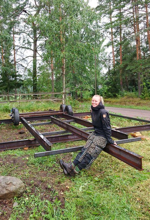 Tämän trailerin päälle Ronja Ropponen aikoo rakentaa talon.