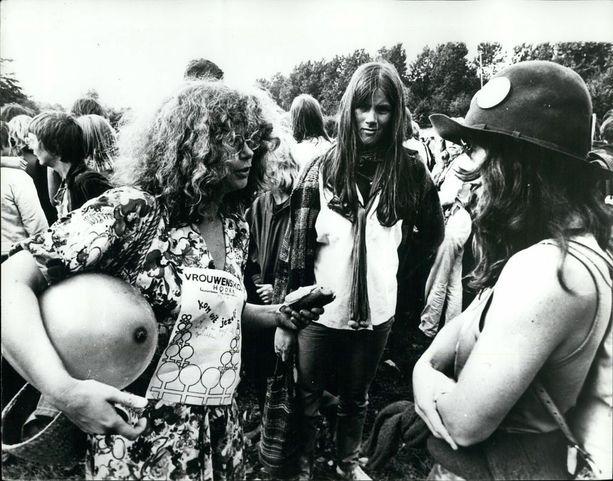 Amsterdamissa järjestettiin vuonna 1978 naisten festivaalit, jotka keräsivät naisten oikeuksista kiinnostuneita henkilöitä muistakin Euroopan maista.