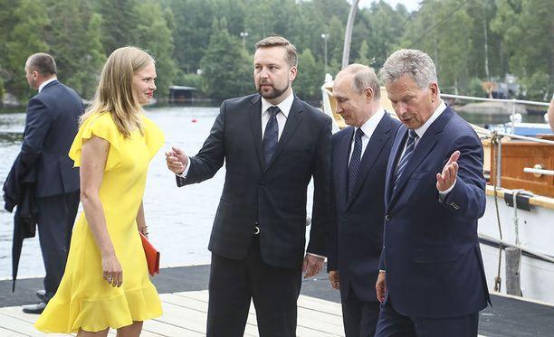 Kosonen oli kaupungin edustajana vastaanottamassa Venäjän presidentti Vladimir Putinia Savonlinnaan.