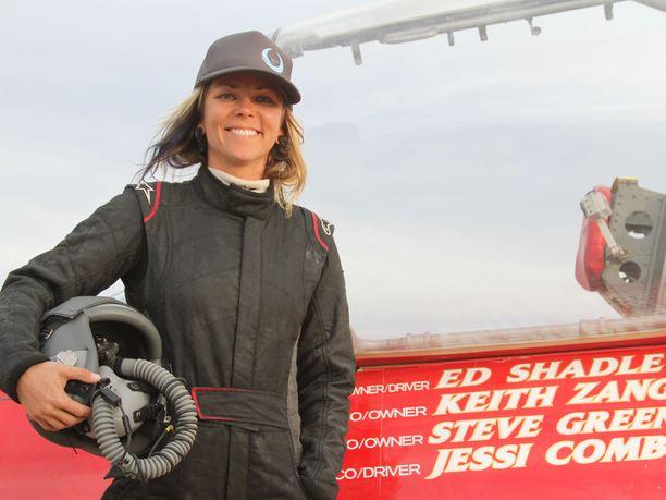 Jessi Combs joutui elokuussa kamalaan tilanteeseen lähes 900 kilometrin tuntivauhdissa.