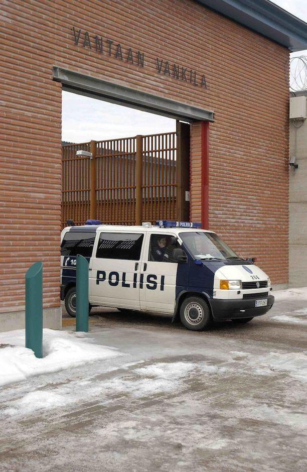 Jari Aarnio istuu tuomiotaan Vantaan vankilassa.
