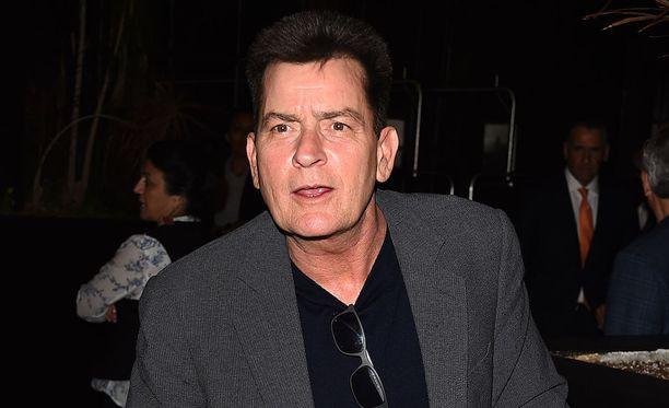 Charlie Sheen kuvattuna Los Angelesissa torstaina.