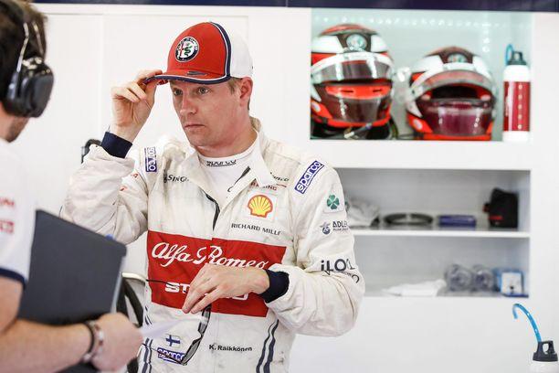 Kimi Räikkönen joutui käymään varikolla jo 12. kierroksella.