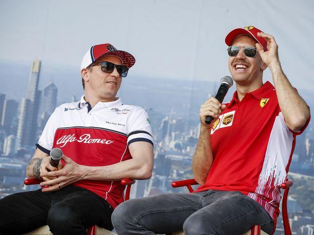 Kimi Räikkönen on tuntunut viihtyvän hyvin Alfa Romeolla. Sebastian Vettelin tilanteesta Ferrarilla on liikkunut viime aikoina kaikenlaista tietoa.