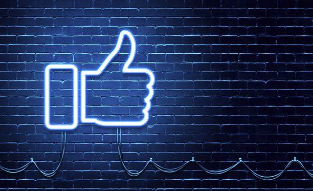 Facebookin kautta on lahjoitettu kunnioitettava määrä rahaa hyväntekeväisyyteen.