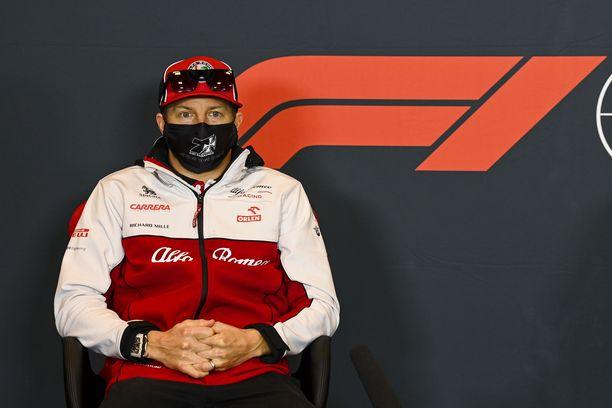 Kimi Räikkönen tekee Alfa Romeon ratissa parhaansa.