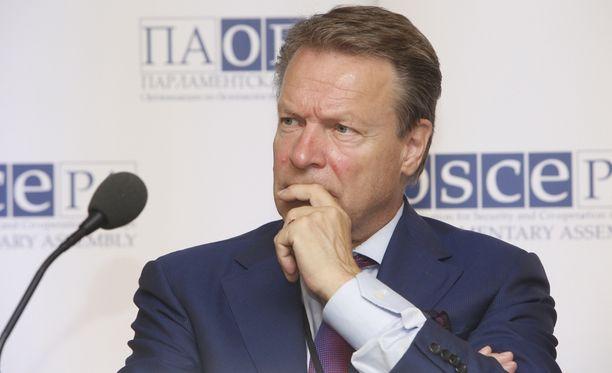 Ilkka Kanerva muistuttaa, että Venäjän valtuuskunta ei ollut ainoa, joka kokouksesta puuttui.