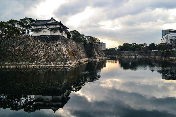 Osakan linna on kaupungin tärkeimpiä nähtävyyksiä.