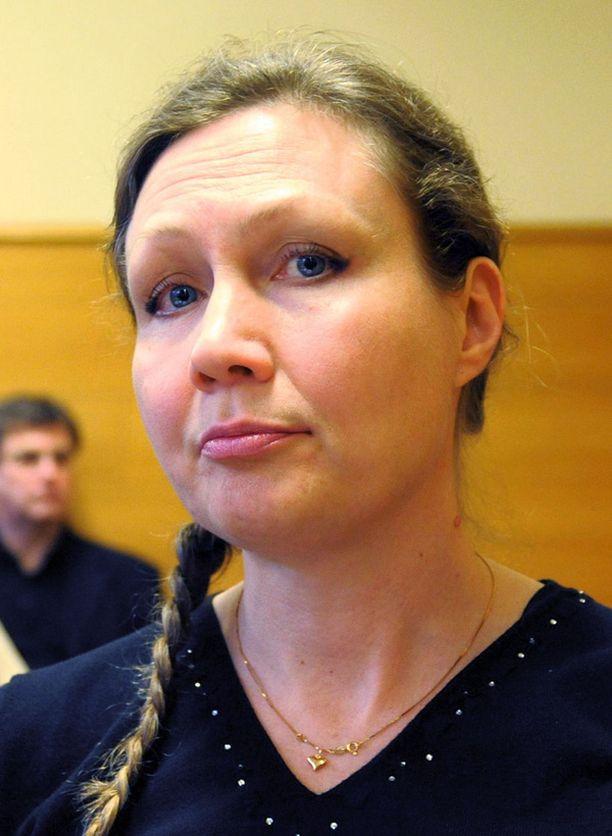 45-vuotiasta Aueria syytettiin Satakunnan käräjäoikeudessa miehensä murhasta.