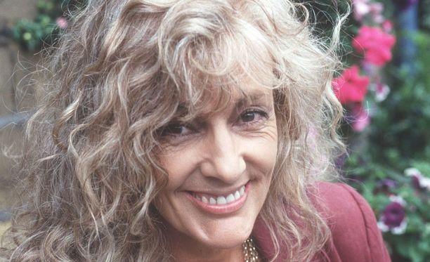 Coral Atkins auttoi lukuisia kodittomia lapsia.