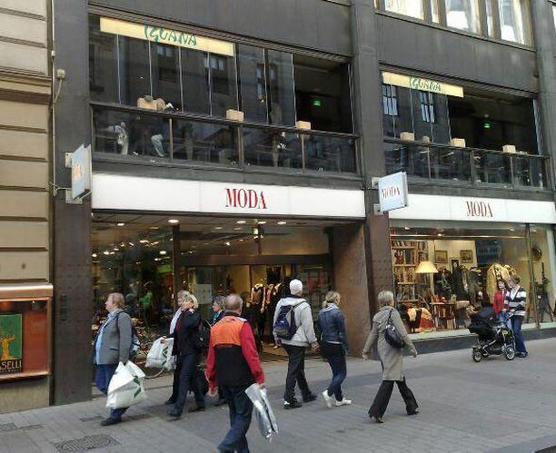 Toisen kerroksen ravintolatilat puretaan Aleksanterinkatu 48:ssa.