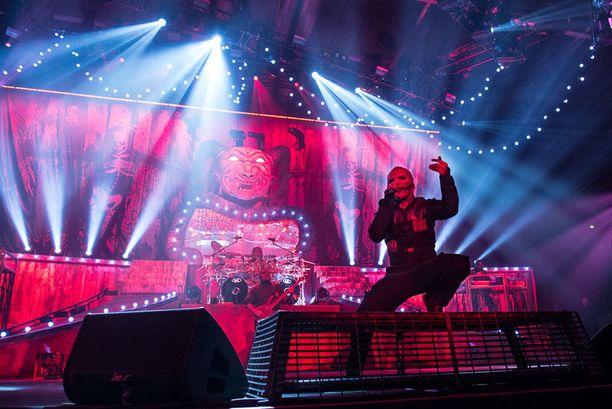 Meno Slipknotin keikoilla on raivokasta sekä lavalla, että permannon moshpitissä.