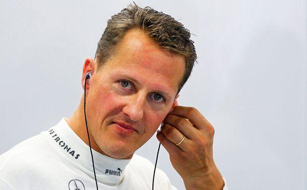 Michael Schumacher loukkaantui vakavasti kaaduttuaan laskettelurinteessä Alpeilla.