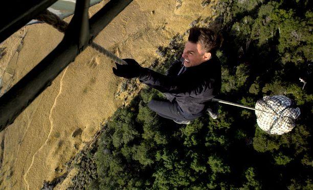 Tom Cruise haluaa edelleen tehdä hurjat stunt-temppunsa itse.