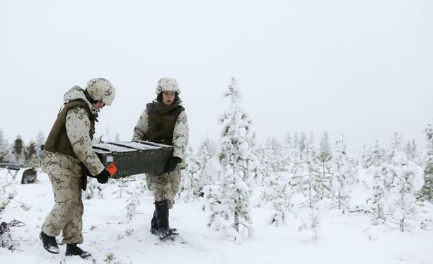Puolustusvoimien uudistuksella on ylletty siltä edellytettyihin säästöihin, uutisoi Savon Sanomat.