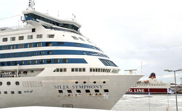 Yöllinen välikohtaus sattui Tallink Siljan Tukholmaan matkalla olleella Symphony-aluksella. Arkistokuva.