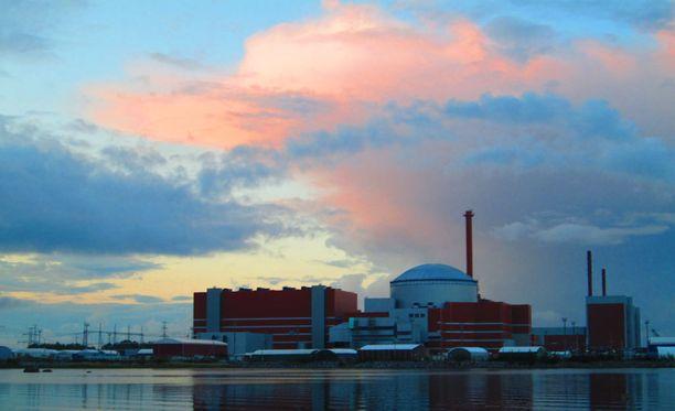 TVO tilasi Arevalta kolmannen ydinreaktorin Olkiluotoon vuonna 2003.