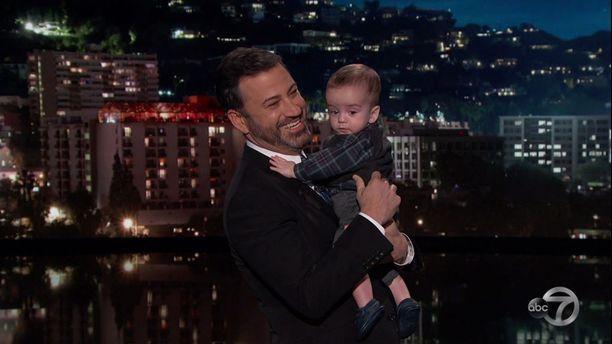 Oscar-gaalan juontajakin tunnettu Jimmy Kimmel toi Billy-poikansa ohjelmaansa.