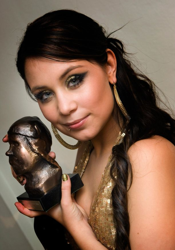 Vuuoden 2009 Emma-gaalassa Anna Abreu palkittiin vuoden naissolistina.