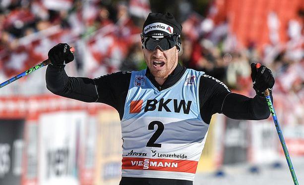 Dario Cologna johtaa Tour de Skitä.