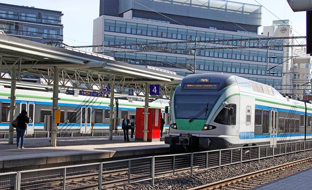 Tietojärjestelmävika estää junaliikenteen tällä hetkellä käytännössä koko rataverkolla.