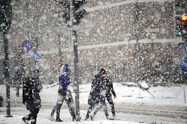 Matalapaine tuo mukanaan lumisadealueen.