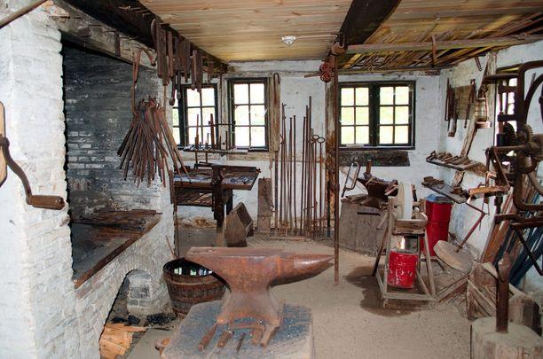 Odensesta löytyvä Funen Village on kiehtova ulkoilmamuseo, jossa voi tutustua saaren elämään 1800-luvulla. Kuvassa Funen Villagen sepän paja.