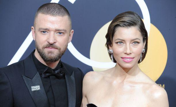 Jessica Biel kertoo olleensa diktaattori, joka ajoi itsensä ja miehensä Justin Timberlaken hulluksi.
