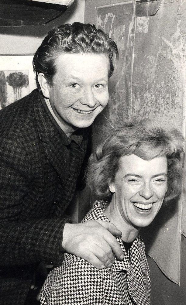 Lasse Pöysti ja Birgitta Ulfsson olivat naimisissa yli kolmekymmentä vuotta.