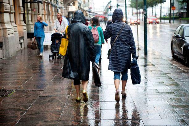 Sadetakki on oiva lomavaatevalinta tälle viikolle.