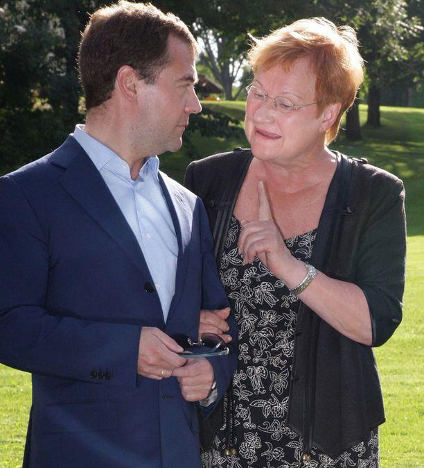 Tiistaina Tarja Halonen ja Dmitri Medvedev söivät juhlaillallisen Kultarannassa.