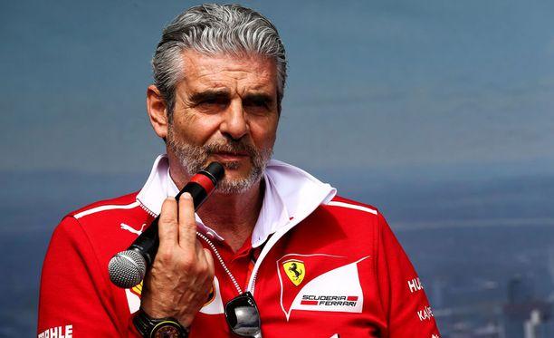 Maurizio Arrivabene puolusti Ferrarin mediapeliä.