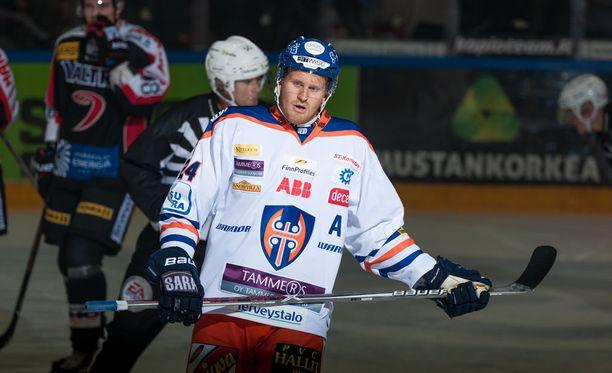 Jani Lajunen pelaa toista kauttaan Tapparassa.