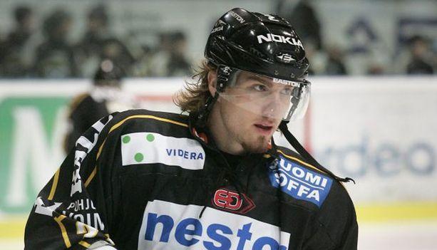 Lukas Kaspar iski ensimmäisen pudotuspelimaalinsa ns. kreivin aikaan.
