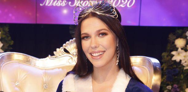Miss Suomi Viivi Altonen kävi läpi kivuliaan kasvumatkan missivoittoon.