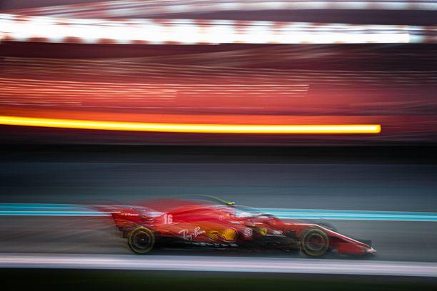 Ei mitään uutta. Ferrari on edelleen punainen.
