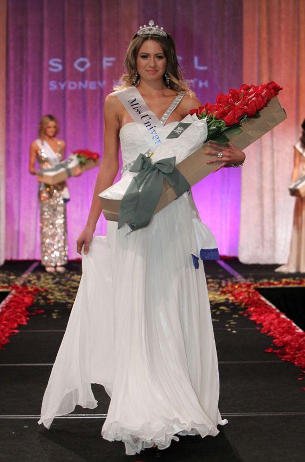 Miss Australia Jesinta Campbell kruunattiin toiseksi perintöprinsessaksi.