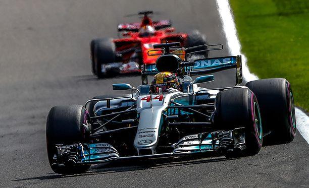 Lewis Hamilton ajoi Belgiassa kauden viidennen voittonsa.